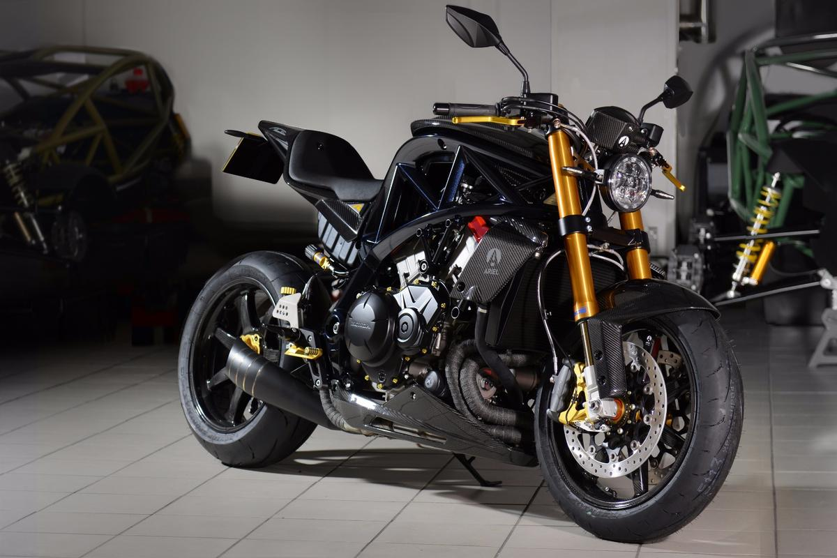 The Ariel Ace R is the rare posh version of an already exclusive motorcycle