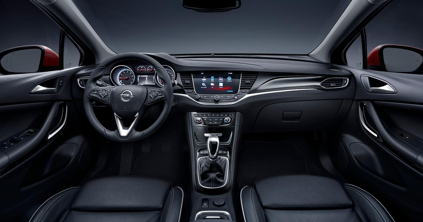 The touchscreen in the middle controls Opel's IntelliLink system