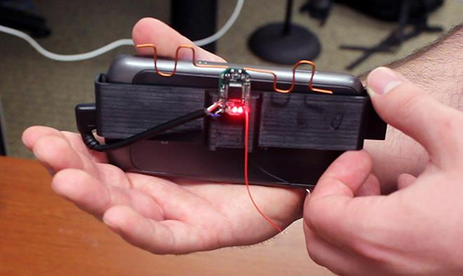 The AllSee prototype developed at the University of Washington allows gestures to be detected while the phone is out of sight (Photo: University of Washington)