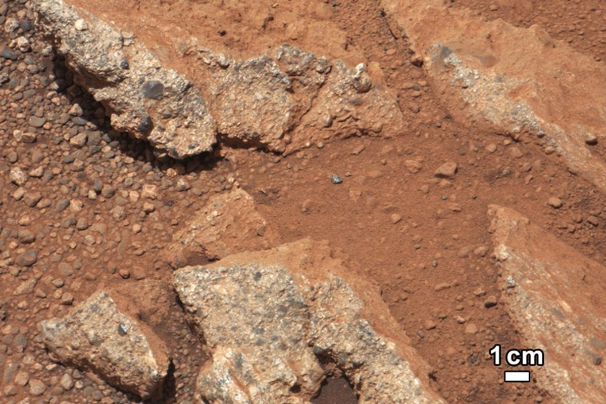 Close up view of the Link outcropping (Photo: NASA/JPL-Caltech/MSSS)