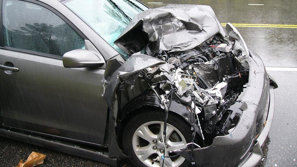 Researchers say their new material won't splinter like the bumper of this Toyota (Image: wrhowell via Flickr)