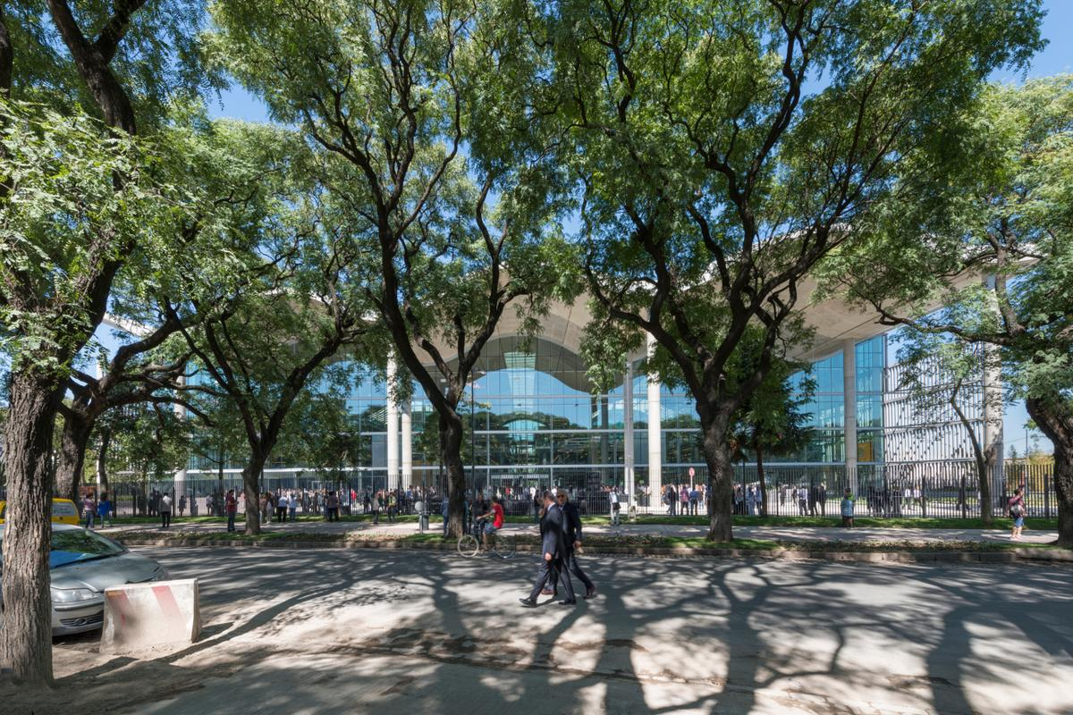 Buenos Aires Ciudad Casa de Gobierno covers an area of 32,000 sq m (345,000 sq ft) (Photo: Nigel Young/Foster + Partners)