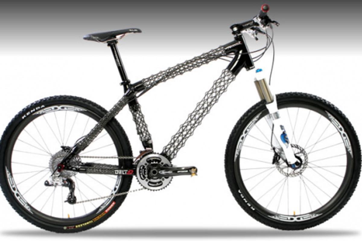 The Delta 7 Arantix mountain bike, featuring carbon fiber/Kevlar IsoTruss tubes
