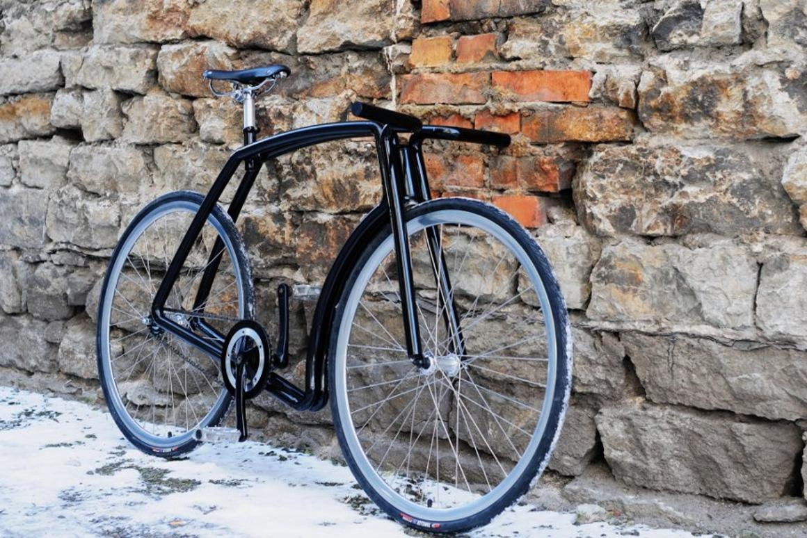 The Viks is a stainless steel fixed-gear commuter bike, made in Estonia