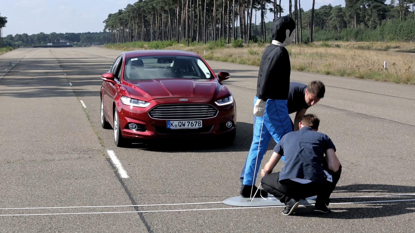The system can apply full braking force to avoid a collision