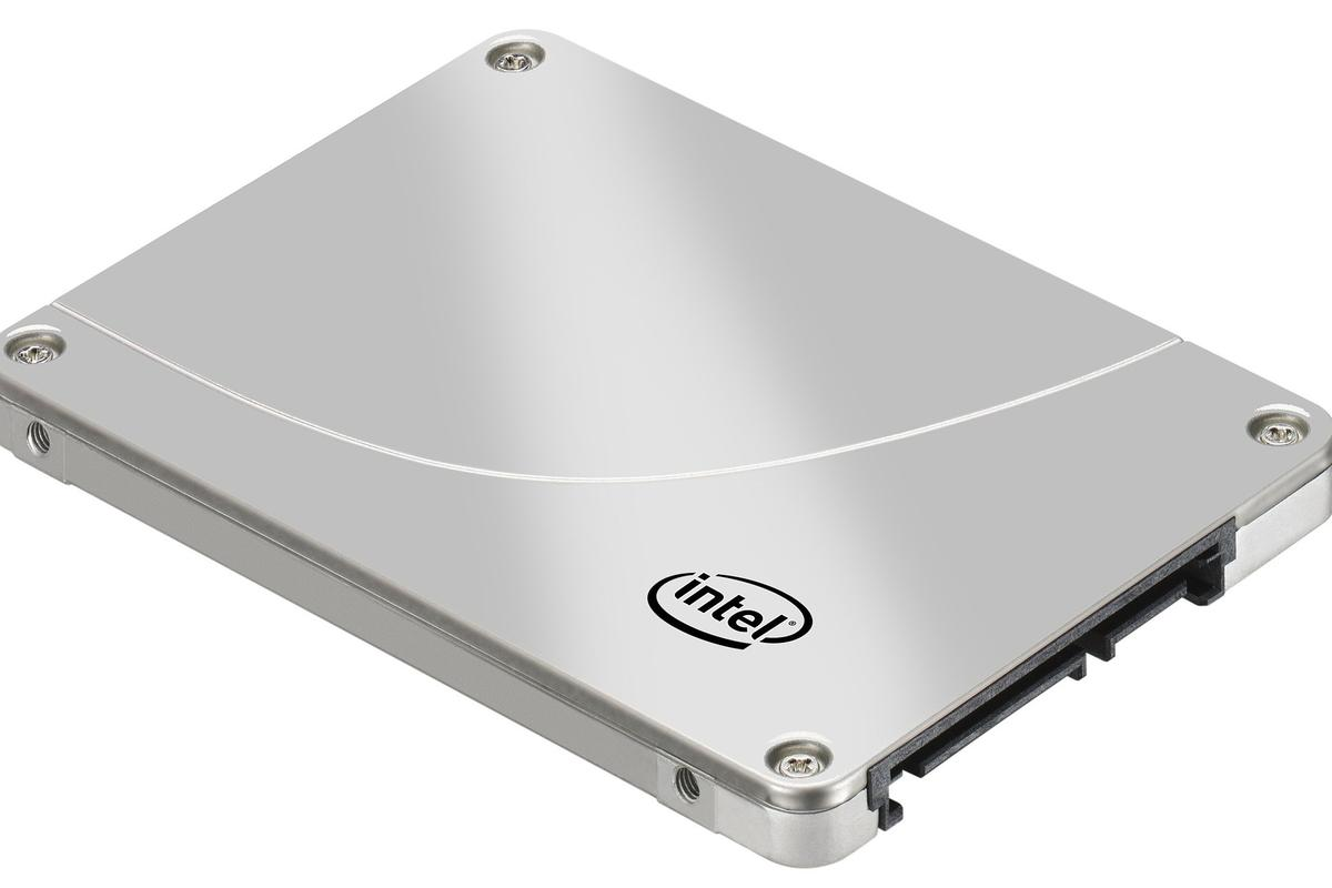 Intel's third generation SSD 320 Series storage solution benefits from a capacity increase up to 600GB, and is said to be 30 percent cheaper than the previous series (All images courtesy of Intel)