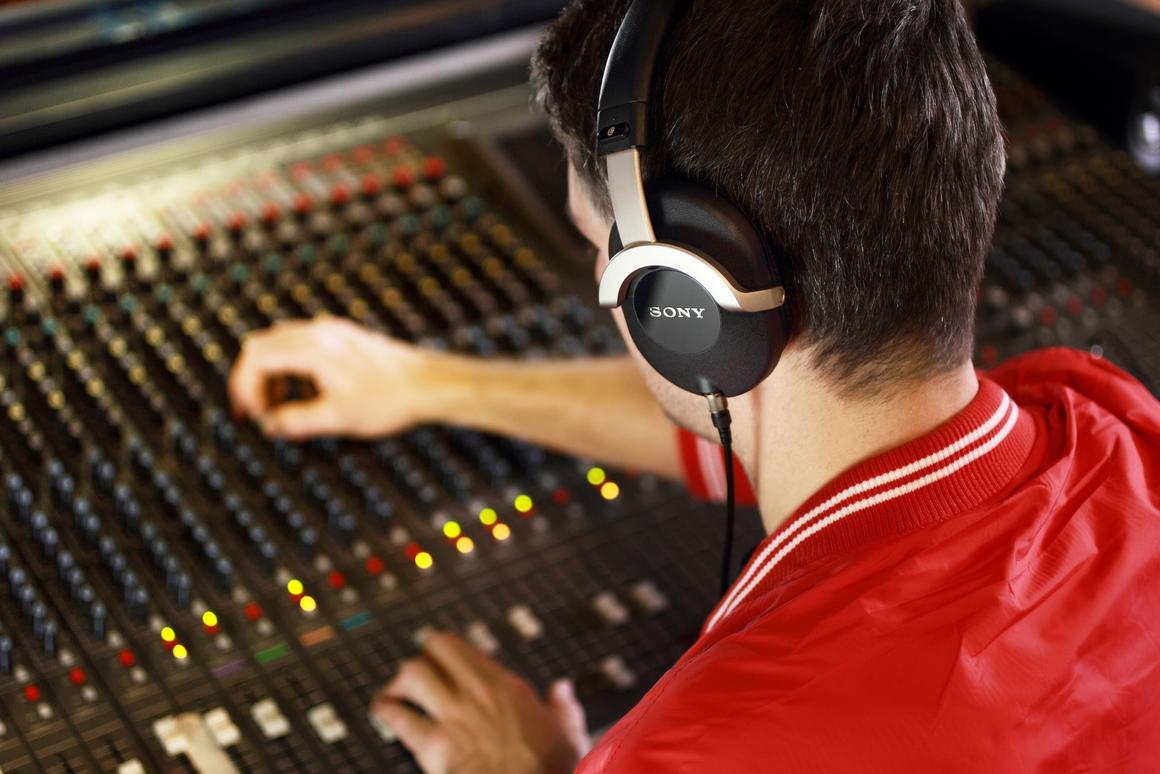 The professional, studio-grade MDR-Z1000 headphones