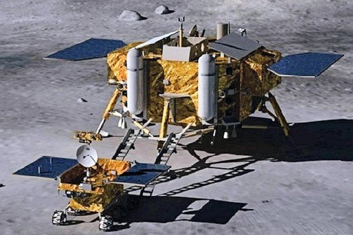 Illustration of the Yu Tu lunar rover being offloaded from the Chang'e-3 lander (Image: Beijing Institute of Spacecraft System Engineering via Xingua)