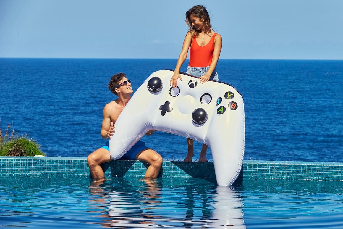 In the spirit of the Xbox Onesie, Microsoft Australia is giving away Inflatable Xbox One S Controllers