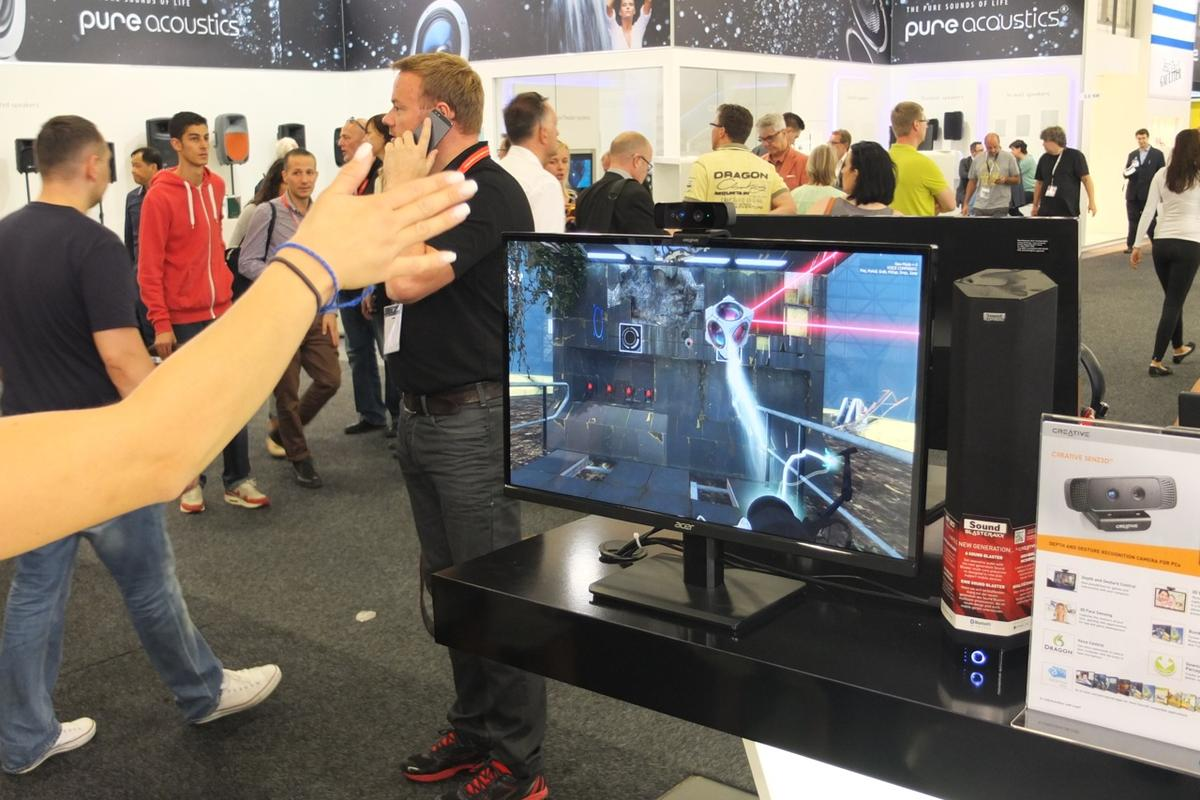 Gizmag goes hands-on with the Creative Senz3D at IFA