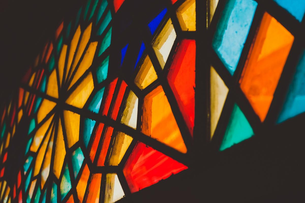 An old technique for making blue stained glass has now been used to make antibacterial materials