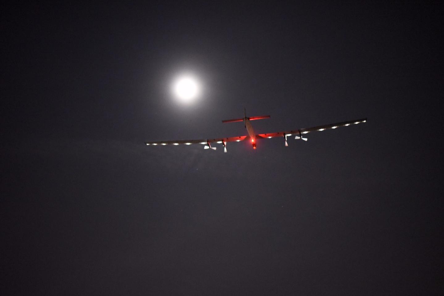 Solar Impulse 2 taking off from Dayton, Ohio