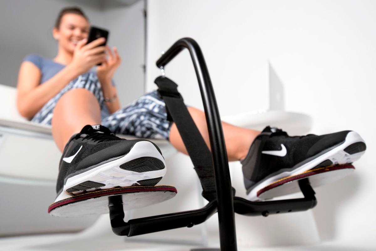 Individuals using the Hovr are said to burn the same amount or slightly more calories as they would using standing desk