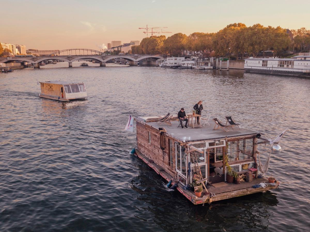 The 2Boats project will conclude in June 2018, at the Hamburg Triennial of Photography
