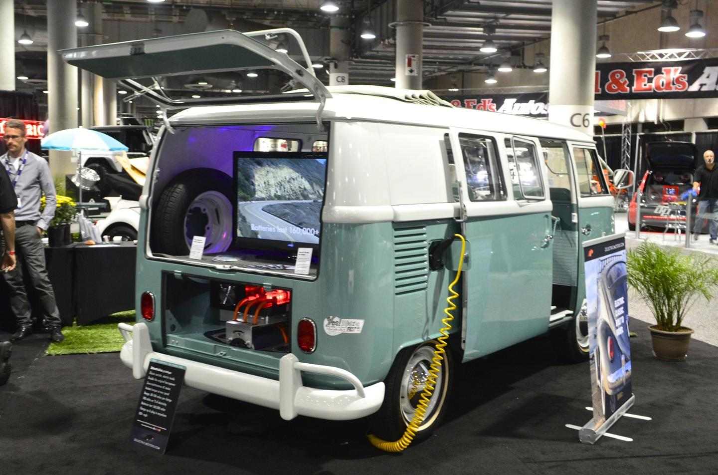"""The """"ZelectricBus"""" at the 2015 LA Auto Show"""