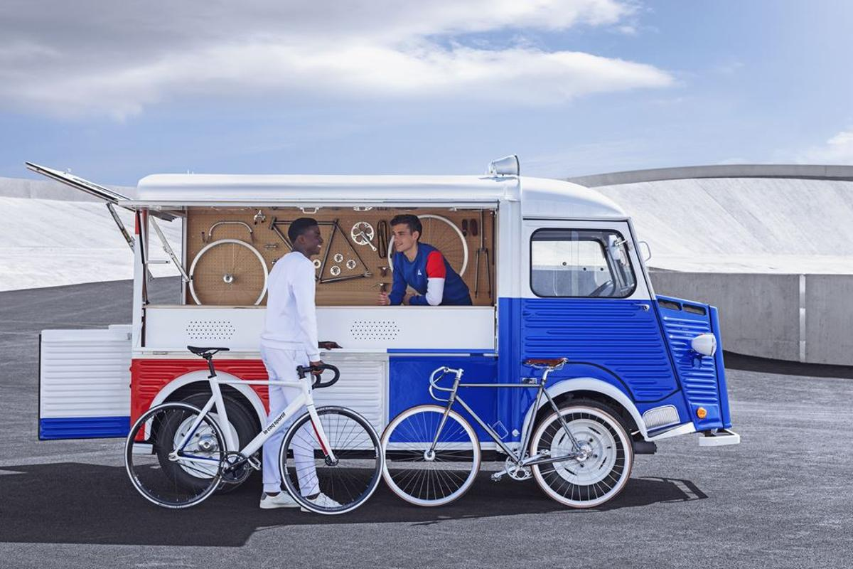 The classic Citroën Type H becomes a rolling bike shop