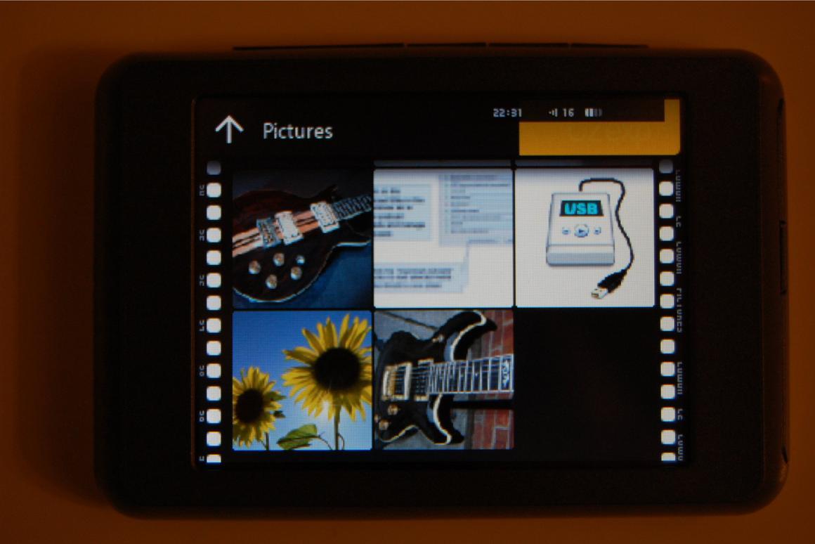 Review: Cowon C2 digital media player