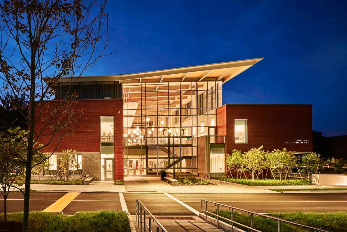 Bristol Community College John J. Sbrega Health and Science Building isthe first zero net energy (ZNE) academic science building in the Northeast United States