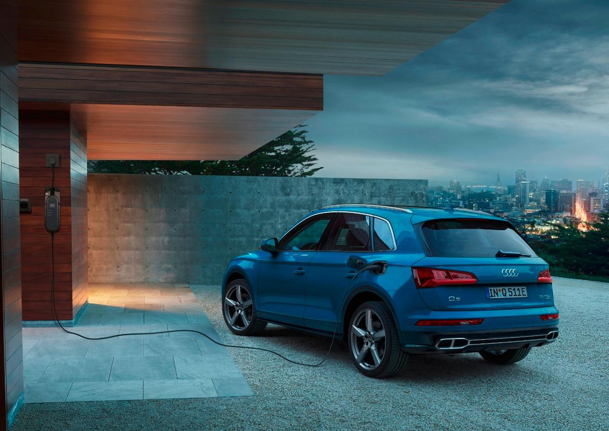 With a little over 25 miles of all-electric range, Audi's new Q5 55 TFSI e Quattro is *that* close to handling the average daily commute without using gasoline