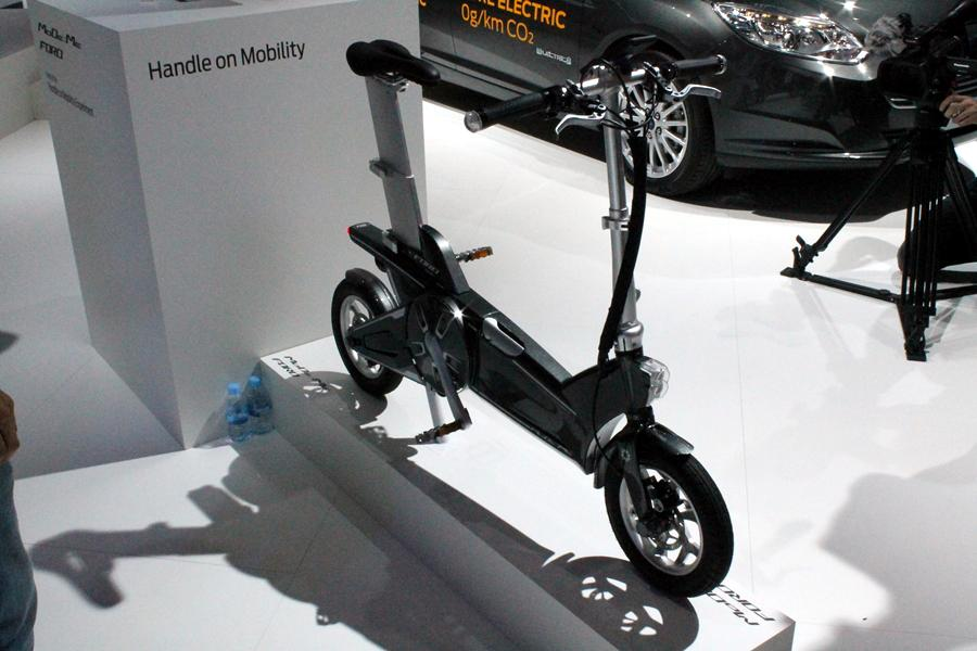 Ford has unveiled two new experimental e-bikes, including this, the MoDe:Me (Photo: Stu Robarts/Gizmag.com)