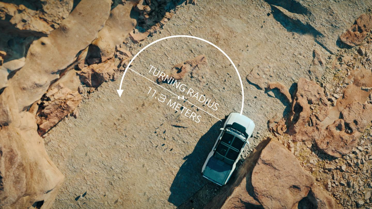 The four-wheel steering system shortens up the turning radius, which can be of particular value in narrow, obstacle-loaded off-road spaces