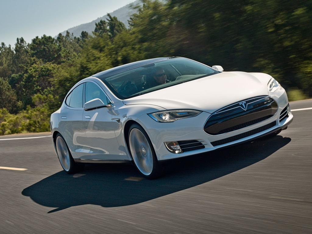 """A software update will let the Tesla Model S """"creep"""" forward like an ICE-powered automatic"""