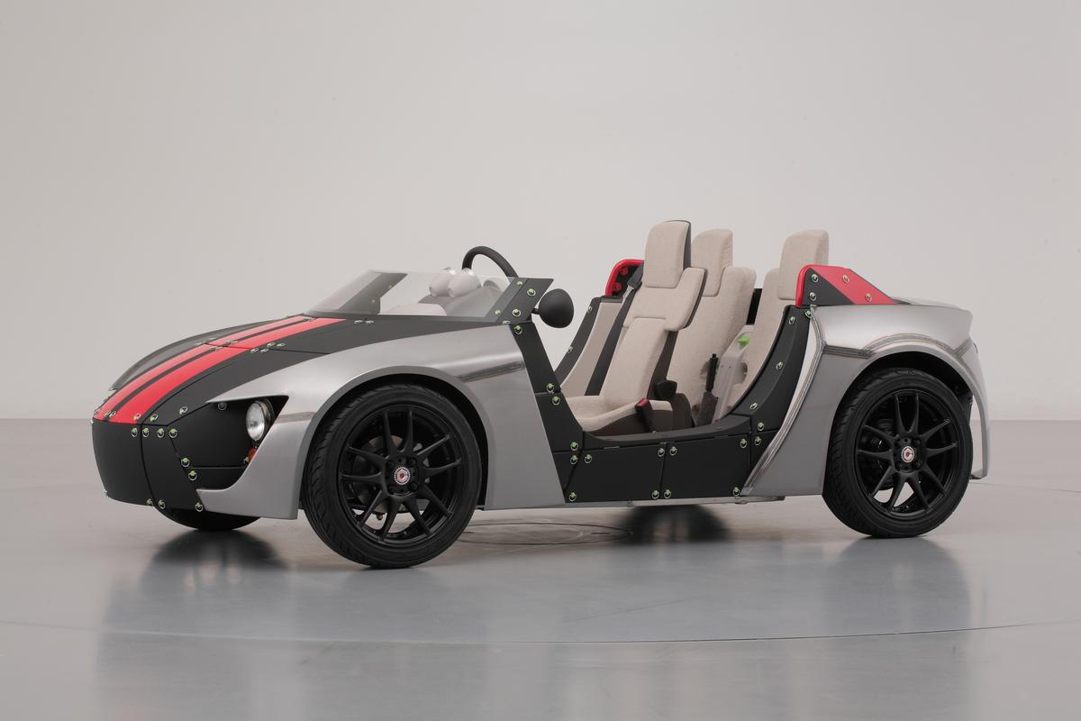 Toyota introduces the Camatte57 at the Tokyo Toy Show