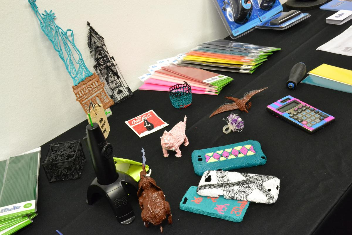 The new accessories on display with some 3Doodles (Photo: Paul Ridden/Gizmag)