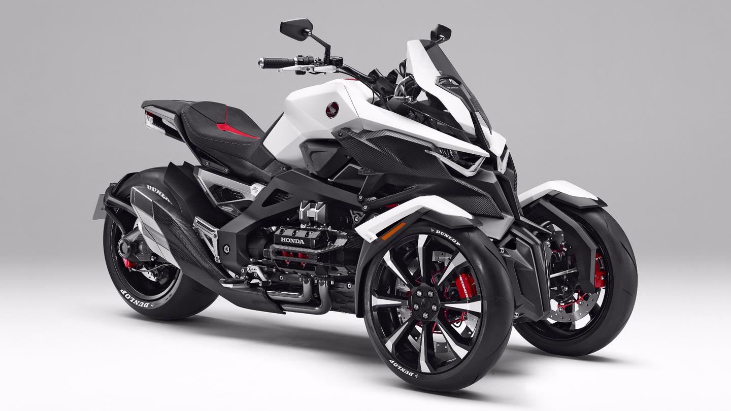 The Honda Neowing is a tilting three-wheeled hybrid concept bike