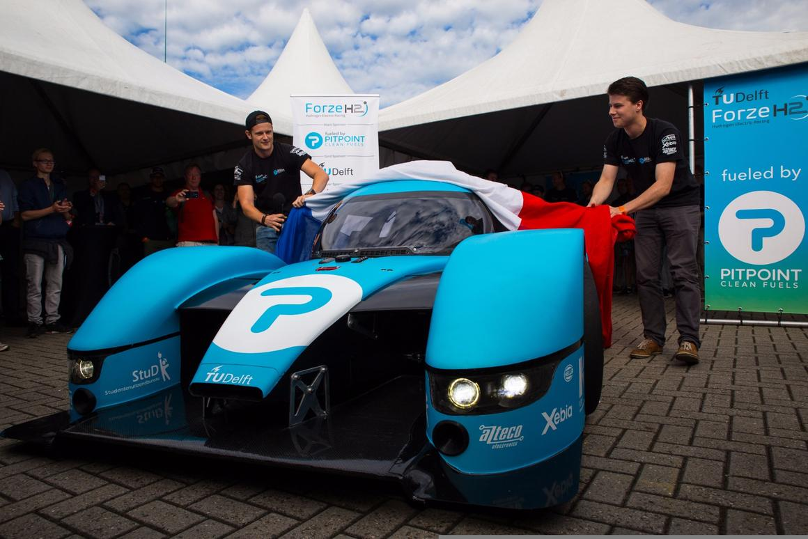 Hydrogen supercar almost ready to race with gas guzzlers