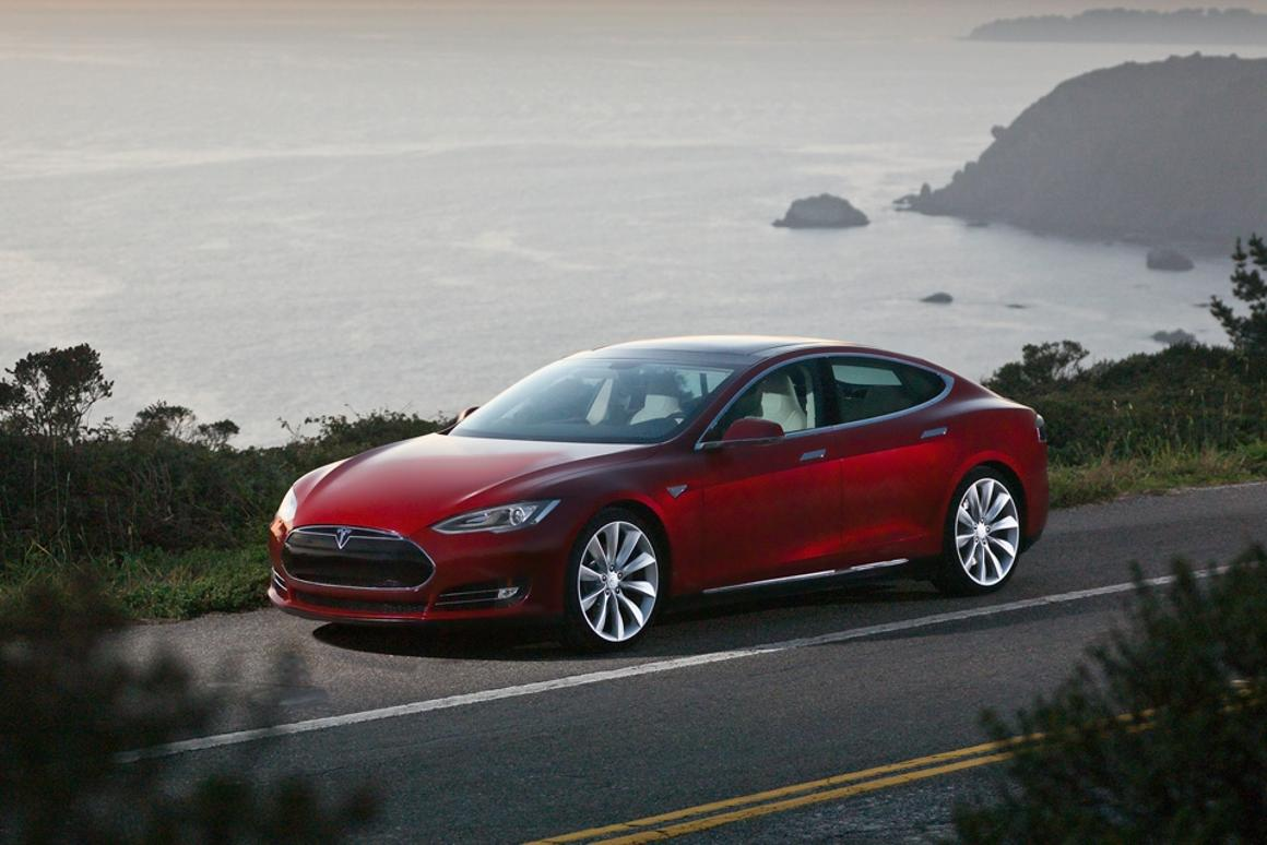 Tesla has announced the first of its Model S sedans will be delivered to customers from June 22