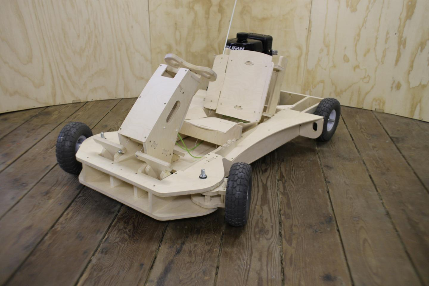Once assembled, the PlyFly Go-Kart measures 101 x 58 x142 cm (40 x 23 x 56.5 in)