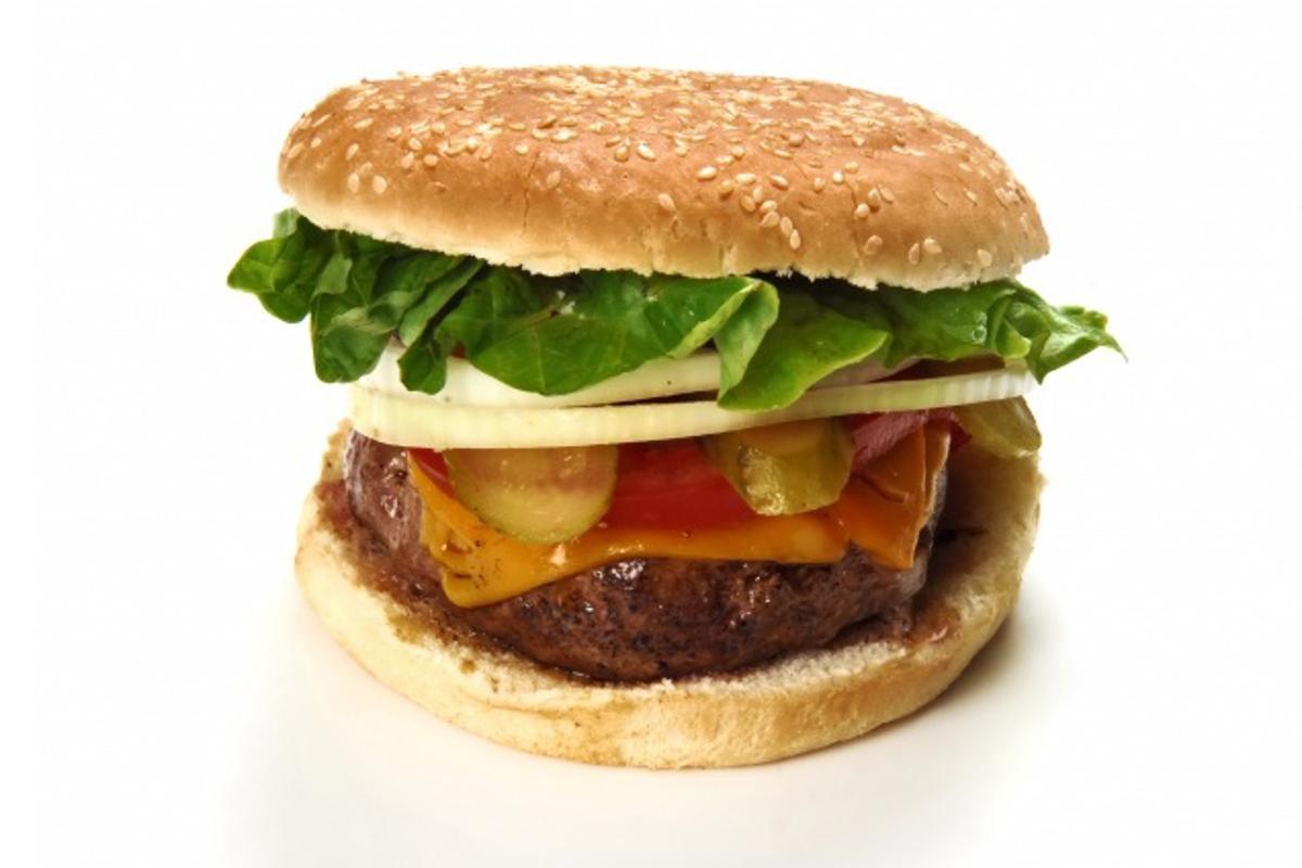 Should cholesterol reducing drugs be served with fast food? (Photo: Suat Eman via freedigitalphotos.net)
