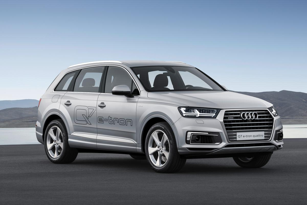 The Audi Q7 hybrid was unveiled in Shanghai and is destined for Asian markets
