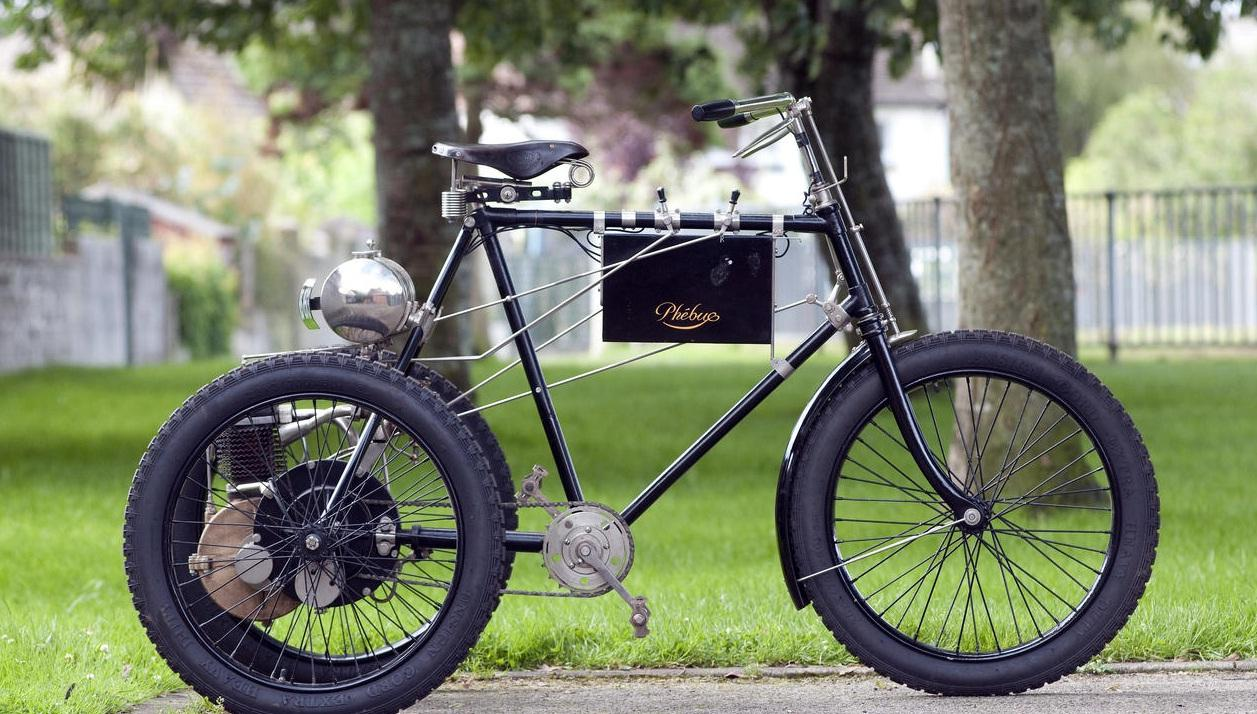 The British auctioneer Bonhams has sold a rare 1898 Phébus Motor Tricycle for £28,750 (US$45,635)