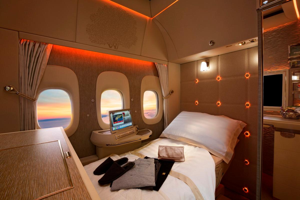 "Emirates new middle ""row"" First class suites have virtual windows"