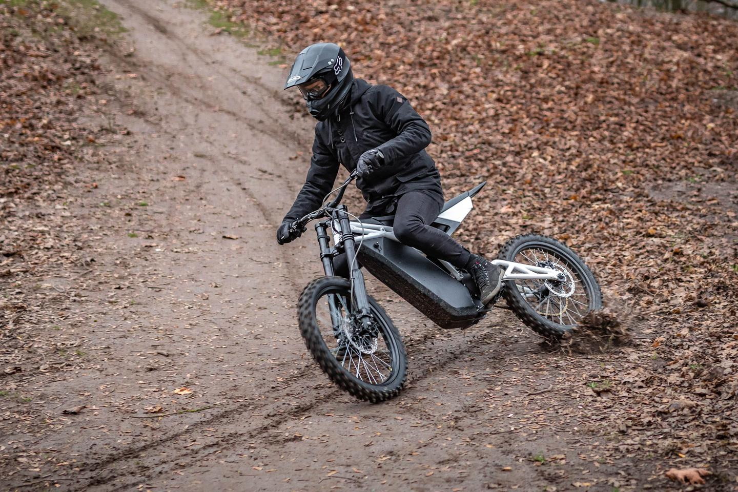 At just 60kg, this thing is half the weight of many dirtbikes