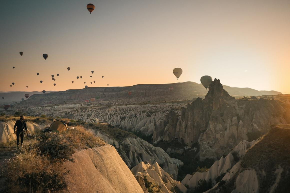 Every morning hundreds of hot air balloons lift off from Cappadocia, an arid region in Turkey (Credit:Martijn Doolard Behance(CC BY-NC-ND 4.0))
