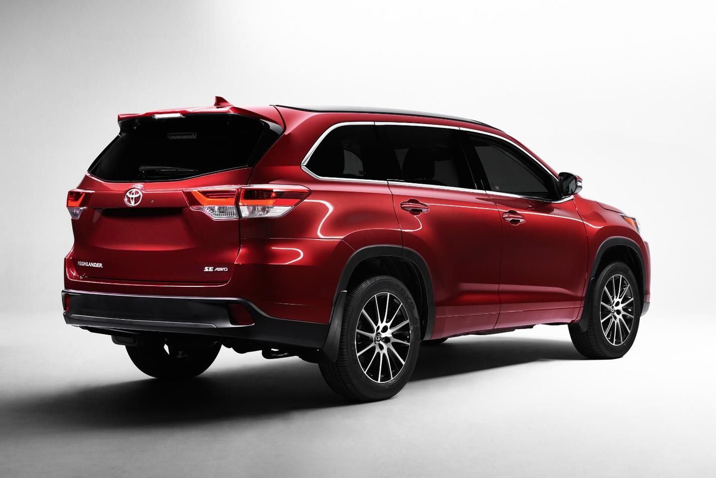 The Highlander has been given some cosmetic external changes in keeping with the upgraded engine and transmission