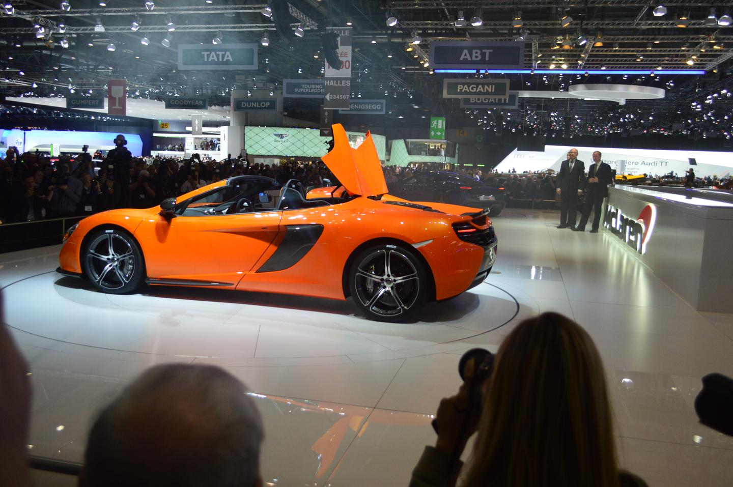 The 650S' revised twin-turbo 3.8 liter V8 is capable of handing over stopwatch times of 3 seconds for a run of 0-100 km/h (62 mph) and a top speed of 329 km/h (204 mph) (Photo: CC Weiss/gizmag.com)