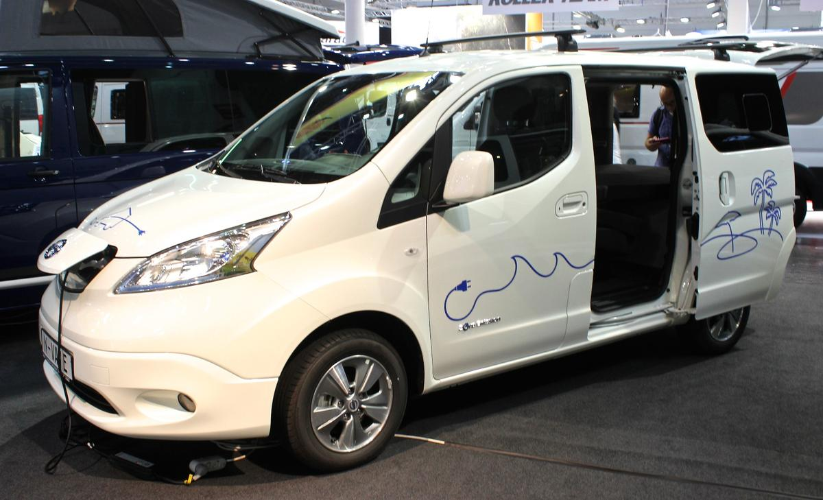 Camper van equipment company Reimo shows theNissan N-Vane camper van package. Not only is this camper van tiny at 4.6 m (15 ft) long, it's all-electric, based on the e-NV200