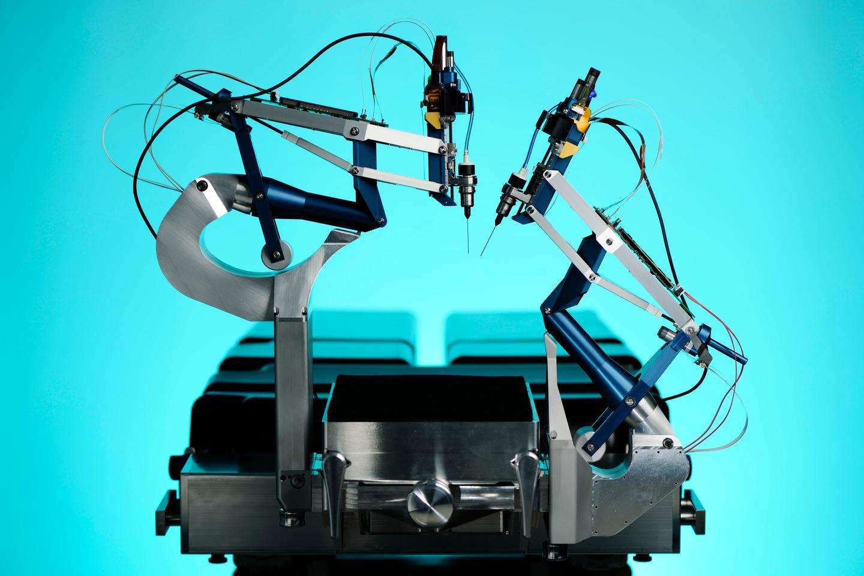 Thijs Meenink's robotic eye surgery system (Photo: Eindhoven University of Technology/Bart van Overbeeke)
