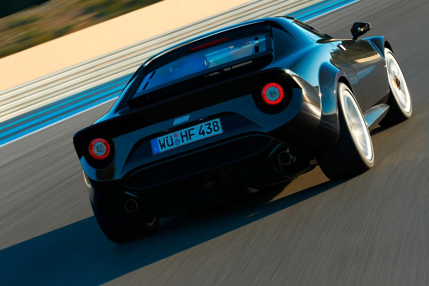 The new Stratos looks very much like the original from its wedge-shaped body to the round taillights and roof-spoiler