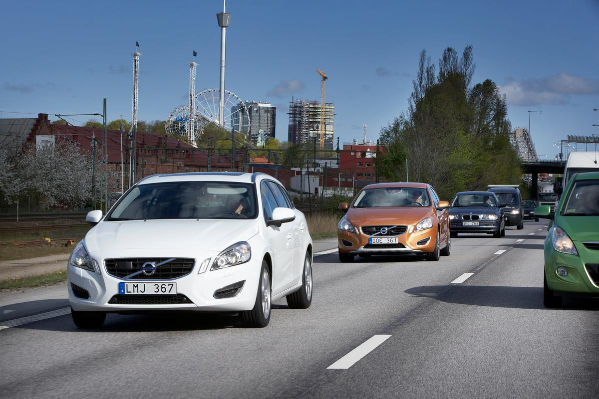 Volvo's new traffic jam assistance system autonomously follows the car in front