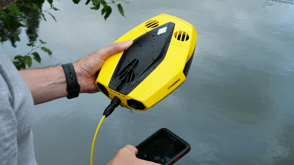 The Dory underwater drone is presently on Kickstarter