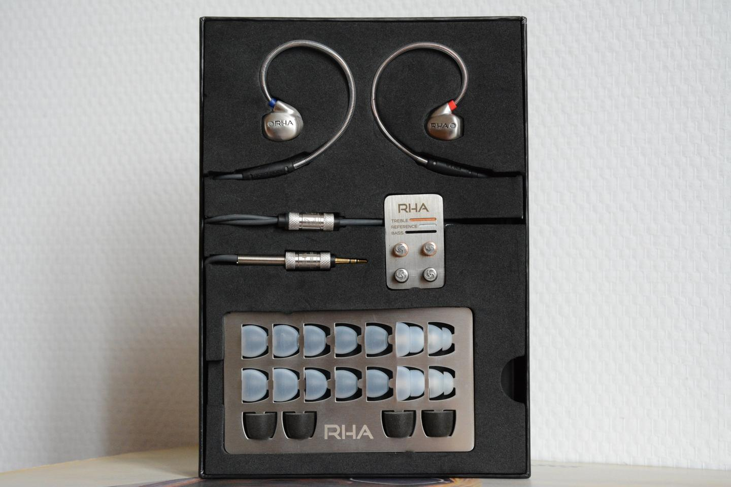 The T10 in-ear headphones come with 10 tips, three tuning filters and a carry pouch (Photo: Paul Ridden/Gizmag.com)