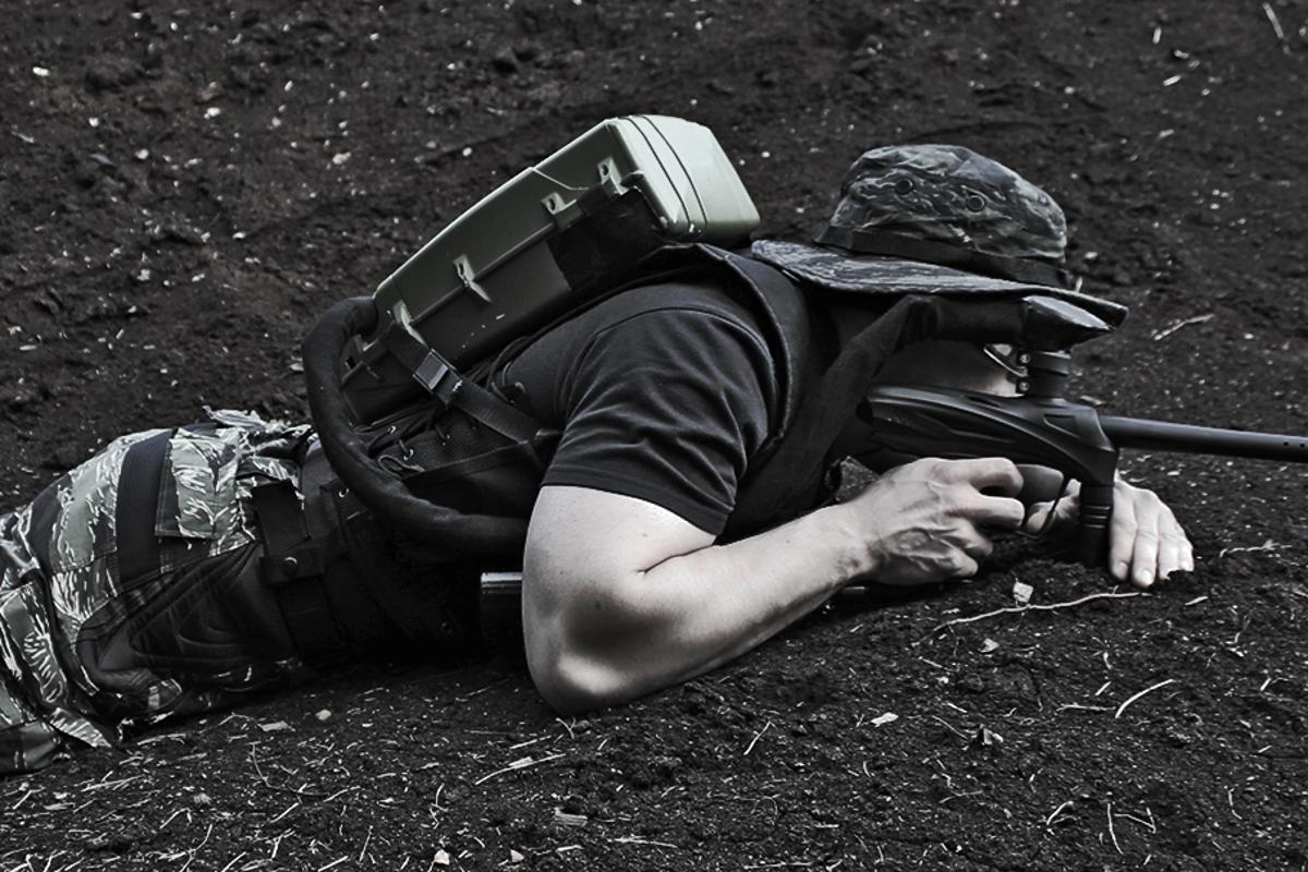 The Strikeloader is a battery-operated backpack that feeds paintballs directly into a gun, eliminating the need for a regular loader while holding six times as much ammo