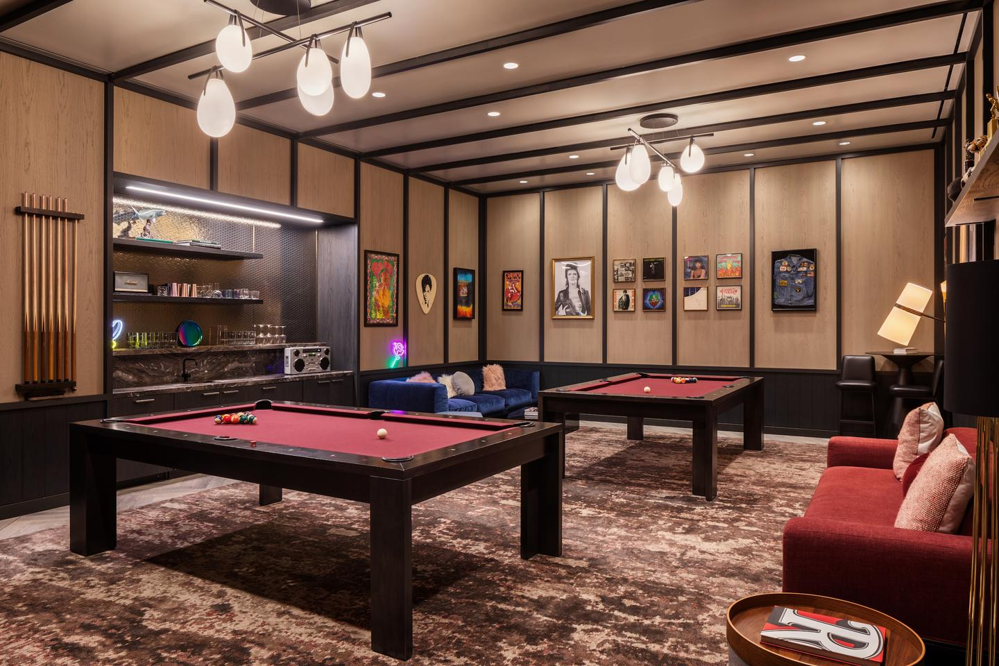 One Manhattan Square's extensive amenities include a billiards room