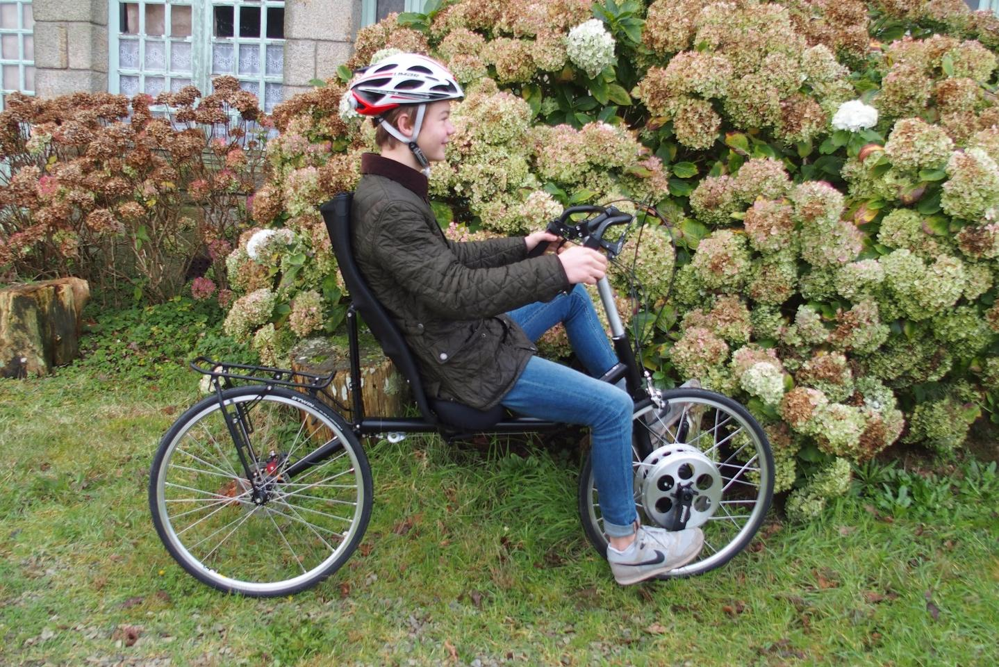The KerVelo's pedals – and its 18-speed transmission – are in its front wheel