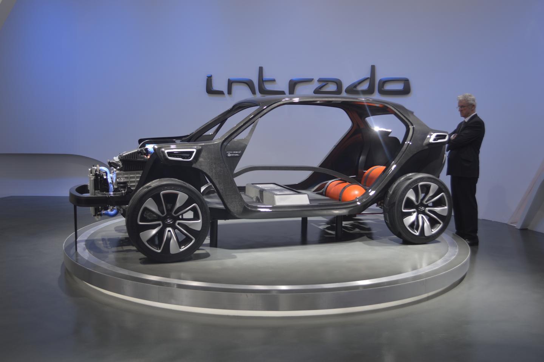 The Intrado Concept is built around a carbon fiber frame